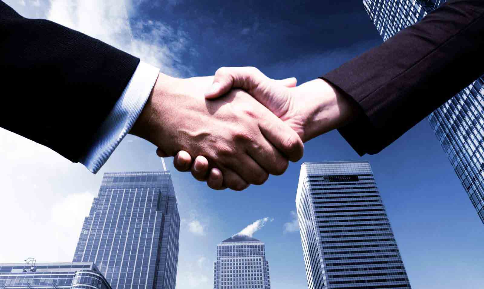 commercial-Real-estate-Hand-Shake